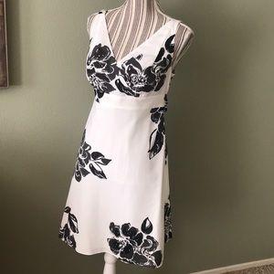 Ann Taylor - STUNNING dress